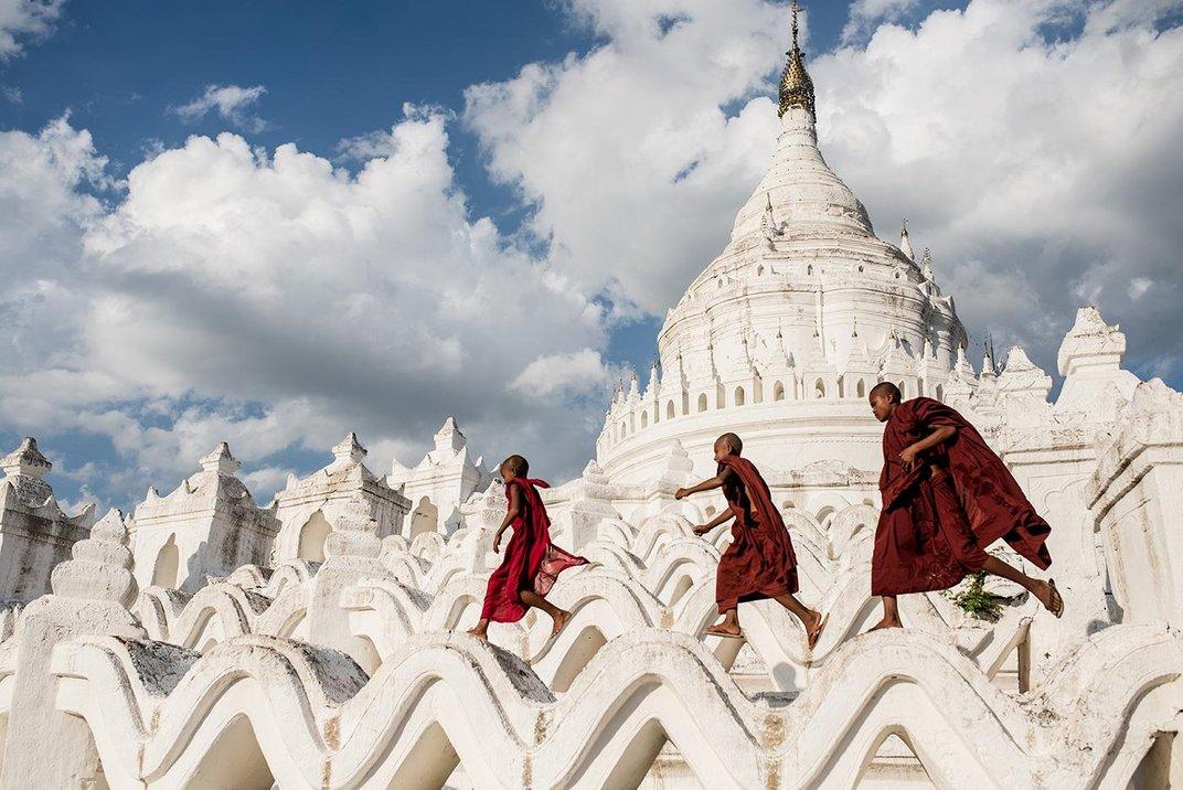 Sergio Carbajo Rodriguez - Myanmar -  smithsonian photo contest