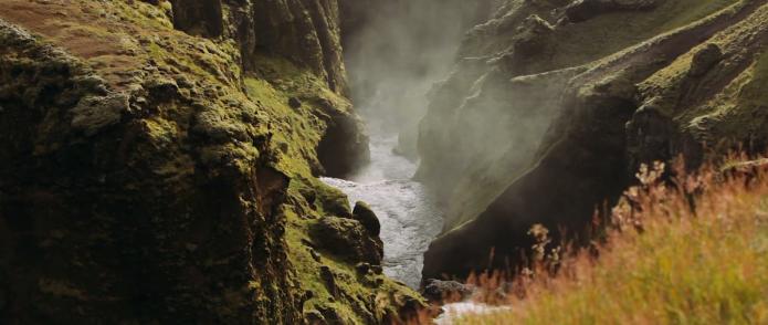 Tente et pouce en islande
