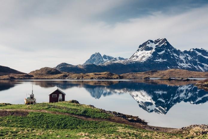 The-Lofoten-Islands-by-Guillaume-Bertrand-695x463